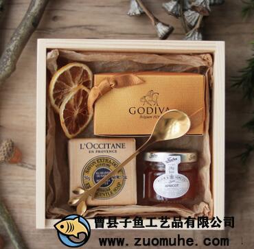 手礼木盒成为婚礼上的流行的礼品